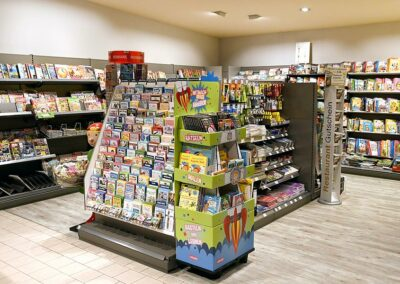 Schreibwaren im Supermarkt in Bogen